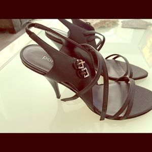 Black leather straps heel